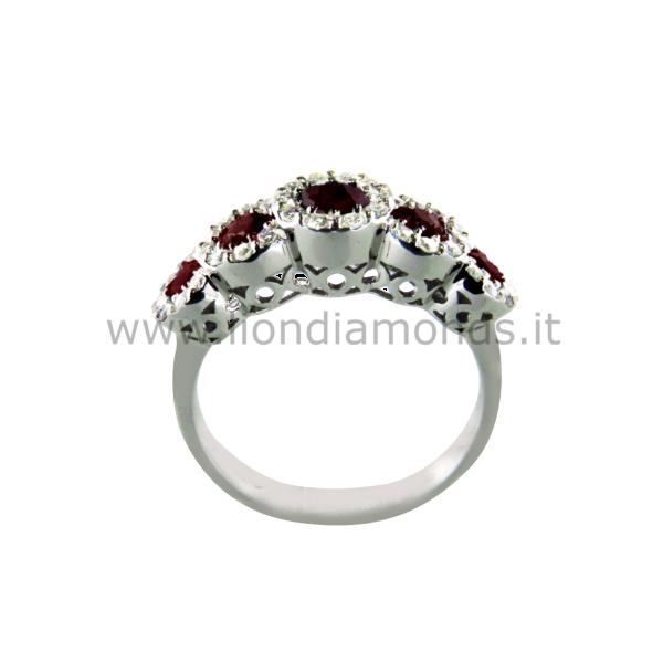 anello con rubini e diamanti